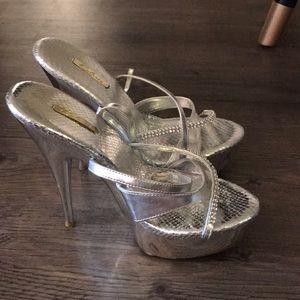 Shoes - Cleese high heel silver stilettos 6.5